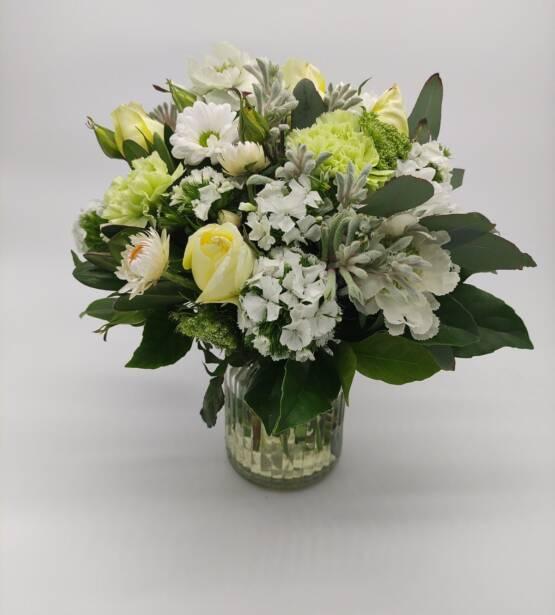 white bouquet 1